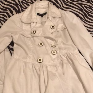 White spring trench jacket